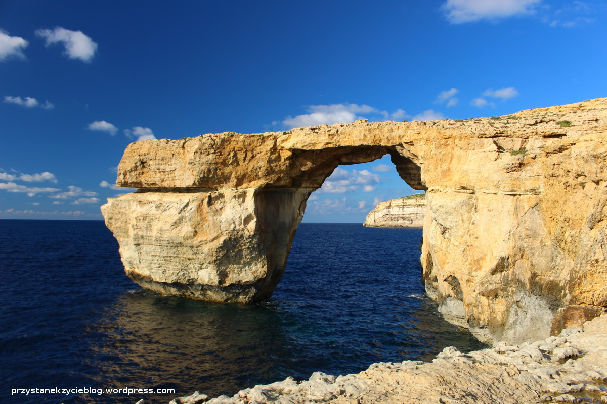 gozo_azure_window3